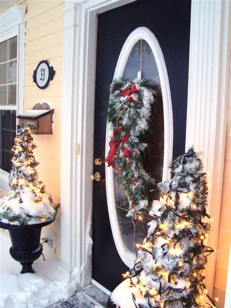 unique holiday door decor 31 creative front door decorations