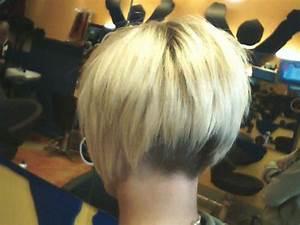 Comment Faire Un Carré Plongeant : coiffure carre court plongeant nuque degagee ~ Dallasstarsshop.com Idées de Décoration