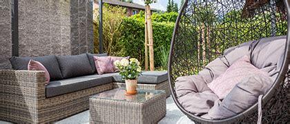 Ein Sichtschutz Im Garten Haelt Unerwuenschte Blicke Ab by Teilbereiche Und Einzelleistungen Rund Um Den Garten