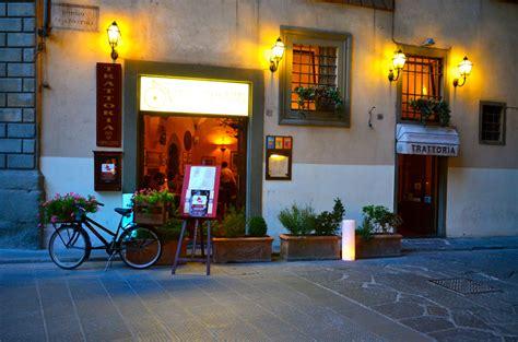 carrozze antiche ristorante trattoria le antiche carrozze piazza santa