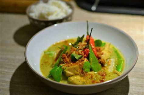 cuisine thailandaise poulet poulet thaï au curry vert et lait de coco la recette ultime