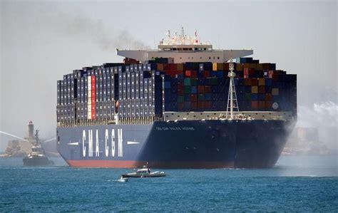 Das containerschiff war auf grund gelaufen und muss jetzt freigeschleppt werden. Hollande tauft größtes Containerschiff der Welt