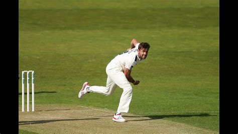 Patterson takes six as Yorkshire dominate - Durham v ...