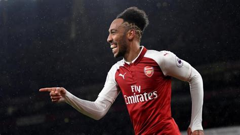 Aubameyang goal earns Arteta's Arsenal draw at Bournemouth ...