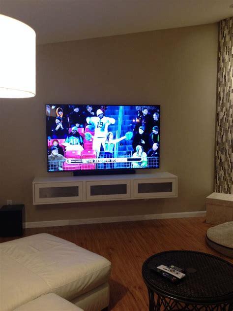 love  hanging shelf  tv   put  storage