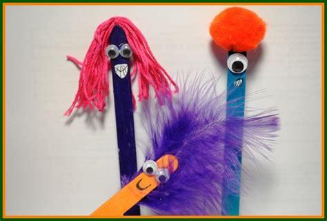 bookmark crafts  kids   reading  summer