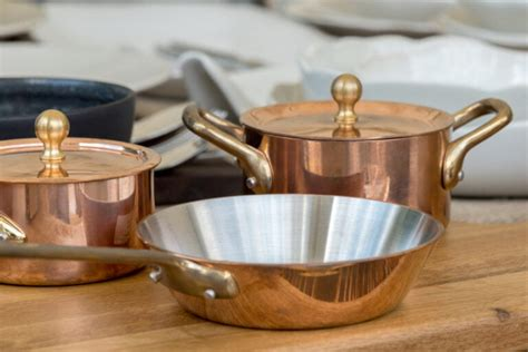 stick cookware bakeware   chemicals pfas