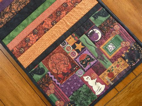 halloween quilted table runner quilted halloween table runner halloween decor halloween