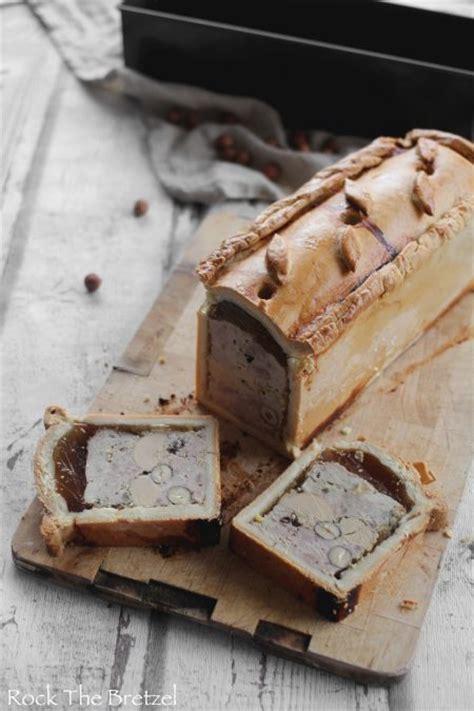 pate en croute maison p 226 t 233 en cro 251 te maison au canard et foie gras