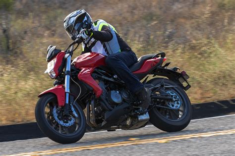 2018 Benelli Tornado Tnt 300 Review (16 Fast Facts