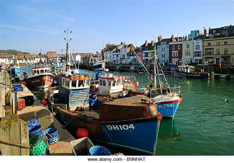 Fishing Boats For Sale Weymouth by Small Boats In Harbour Stock Photos Small Boats In