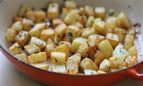 pan fried potatoes crispy pan fried potatoes kidspot