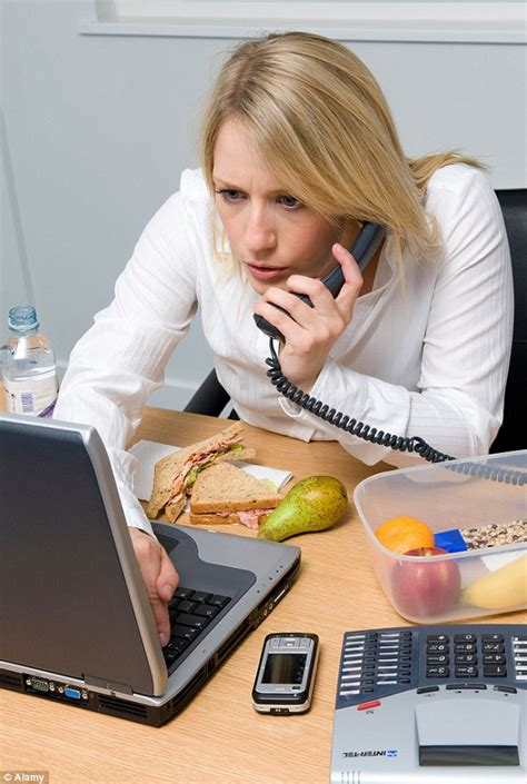 cooking at your desk the eight worst eating habits include eating lunch at your