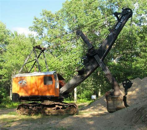 semitrckn northwest  steam shovel earth moving equipment heavy equipment heavy machinery
