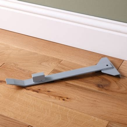 flooring pull bar heavy duty pull bar flooring accessories flooring collection howdens joinery