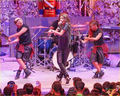 Zendaya: AMP Radio's Toys for Teens Performer!   Photo ...