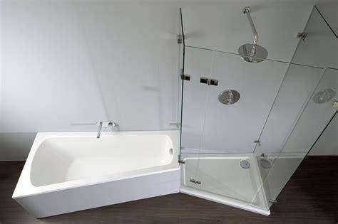 Badewanneduschekombi Infos, Bilder & Modellarten