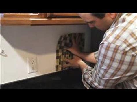 how to instal backsplash in kitchen installing tiles kitchen tile backsplash tips 8677