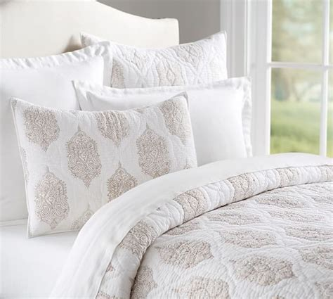 Best Pottery Barn Sheets by 29 Best Pottery Barn Bedding Images On Pottery