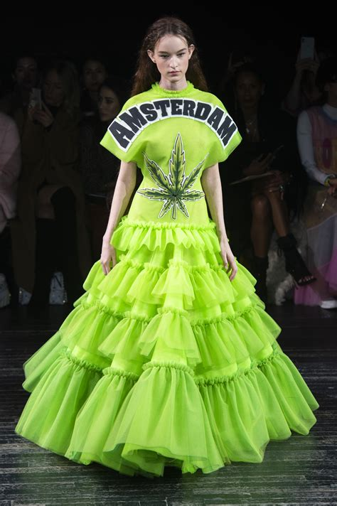 viktor rolf couture spring  fashion show