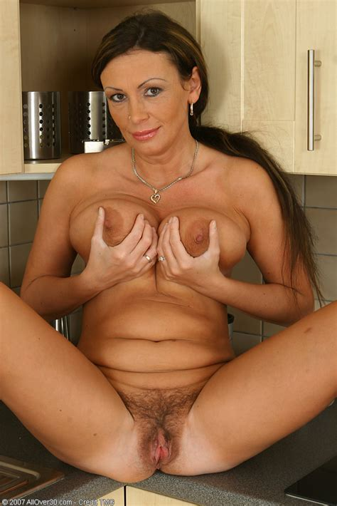 Mature Short Hair Big Boobs Nude Milf Porn Photos