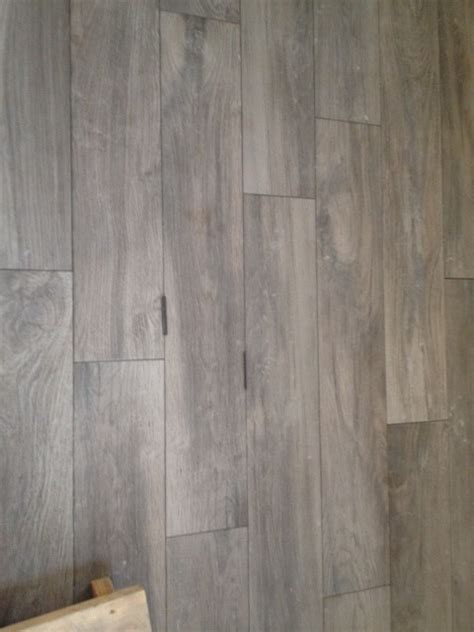 light tile with dark grout grout color for light wood look tile