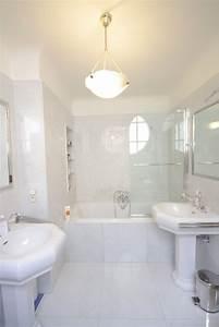 suspension luminaire salle de bain obasinccom With carrelage adhesif salle de bain avec spot led eglo