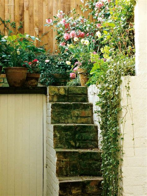 landscaping narrow spaces 245 best farm kings images on pinterest
