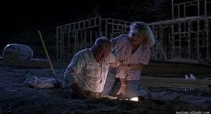 Tremors (1990) A Rumble From The Past – Musings From Us