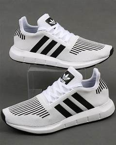 White And Black : adidas swift run trainers white black grey runners prime knit shoes ~ Medecine-chirurgie-esthetiques.com Avis de Voitures