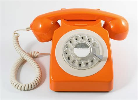 retro phones the buying guide by tech mag