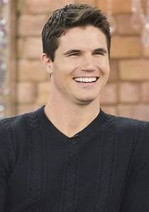 robbie amell Picture 46 - Robbie Amell Appears on CTV's ...