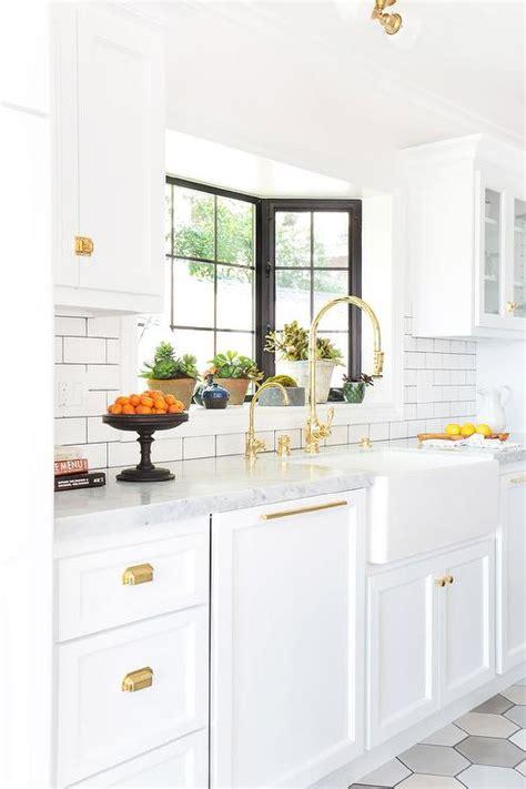 White Kitchen Gold Eye by Cup Pulls Design Ideas