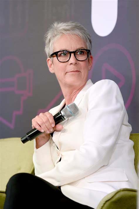 Jamie Lee Curtis, Kelly Clarkson On Chris Evans Nude Photo ...