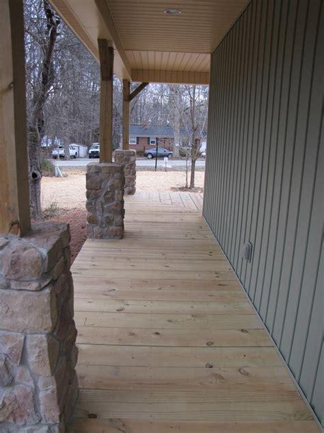 bedroom cabin plan  covered porch  river cabin