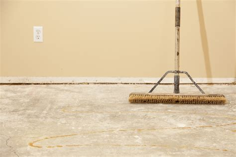 how to prepare a cork flooring subfloor