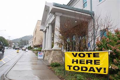 Early Voting Entrance Voters Today Batch Democrats