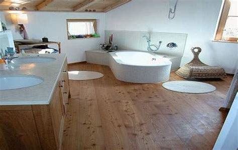 Tolle Ausstrahlung Holz Im Bad by Badezimmer Holz