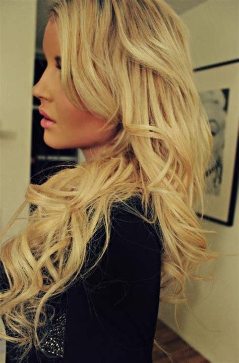 blonde bouncy curls hairstyles