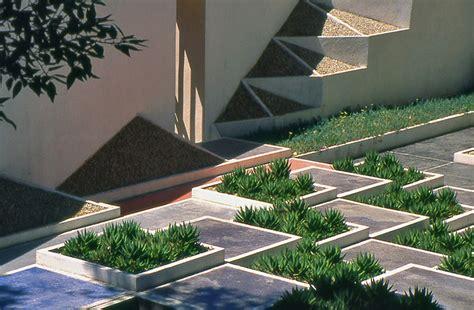 decor de hyeres hyeres parc st bernard jardin de la villa noailles