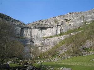 Malham Cove - Wikipedia