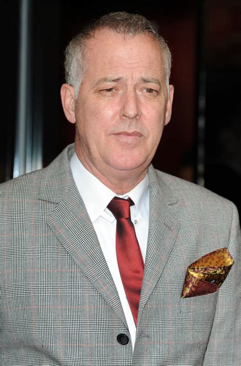 Emotional Michael Barrymore apologises for actions on ...