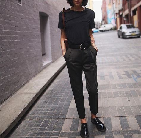 summer spring time image  stacy herron street style outfit dr martens outfit oxfords outfit