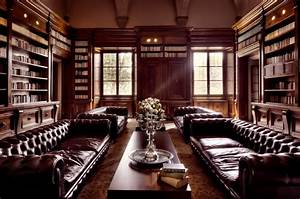 Elegant leather furniture, luxury home library old library ...