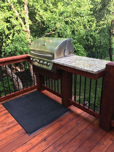 deck rail  built  grill  granite prep table