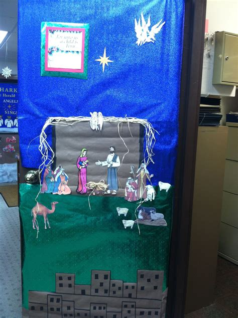 Decorating Ideas For Nativity by Nativity Door Decorating Contest Kiger Door