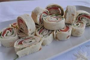 Recette Avec Tortillas Wraps : recette wraps de poulet tomates et fromage frais cuisinez wraps de poulet tomates et fromage frais ~ Melissatoandfro.com Idées de Décoration