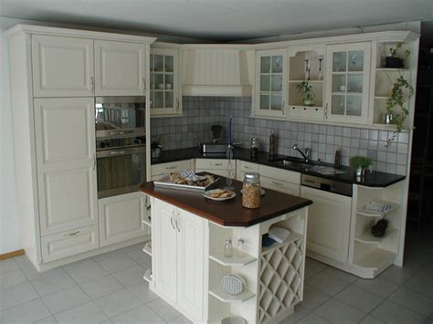 home staging cuisine rustique repeindre une cuisine en bois