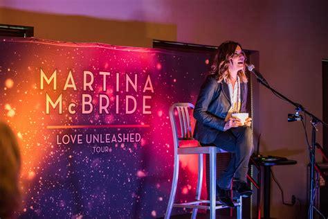 martina mcbride  joy  christmas   cid
