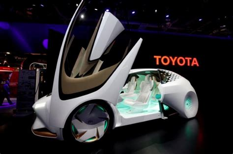 toyota 2020 autonomous driving 2020 concept toyota to test self driving talking